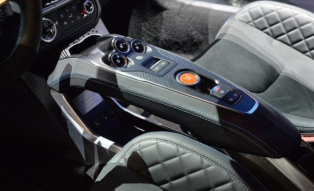 Alpine A110 có gì để cạnh tranh với Porsche 718 Cayman? - 9