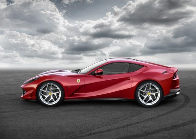 Siêu xe này có khả năng tăng tốc từ 0 lên 100 km/h chỉ trong vòng 2,9 giây, trước khi đạt vận tốc tối đa 340 km/h.