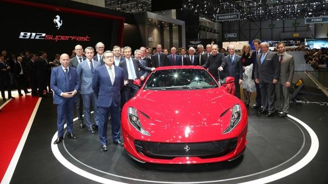 Ra đời nhân kỷ niệm 70 năm thành lập hãng, Ferrari 812 Superfast là siêu xe mạnh nhất từ trước tới nay của Ferrari (LaFerrari là phiên bản hạn chế số lượng).