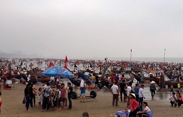 Không khí lao động vẫn hăng say ngay giữa khu đô thị du lịch Sầm Sơn