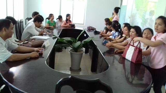 Các giáo viên tại buổi tiếp xúc với lãnh đạo tỉnh ngày 22/5 vừa qua