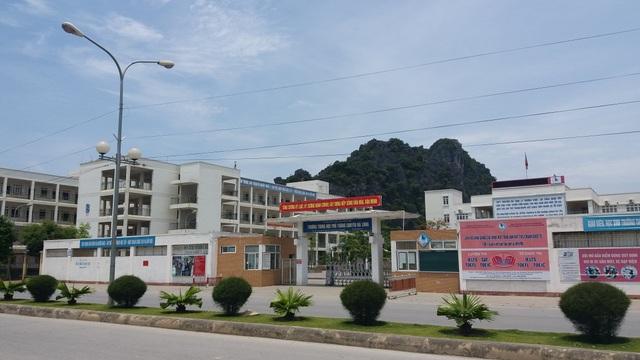 Trường THPT chuyên Hạ Long (Quảng Ninh).