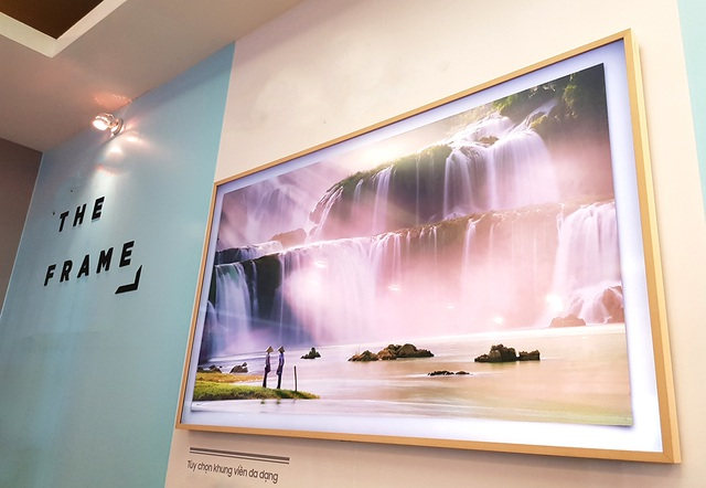 """Cận cảnh TV """"Khung tranh"""" giá 75 triệu đồng của Samsung tại Việt Nam - 2"""
