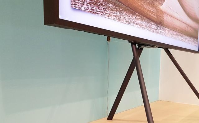 Thiết kế tối giản kết nối trên TV