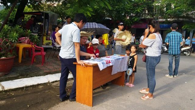 Khán đài đông nghịt người dự Lễ hội chọi trâu Đồ Sơn năm 2017 - 5