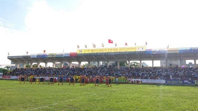 Khán đài đông nghịt người dự Lễ hội chọi trâu Đồ Sơn năm 2017 - 7
