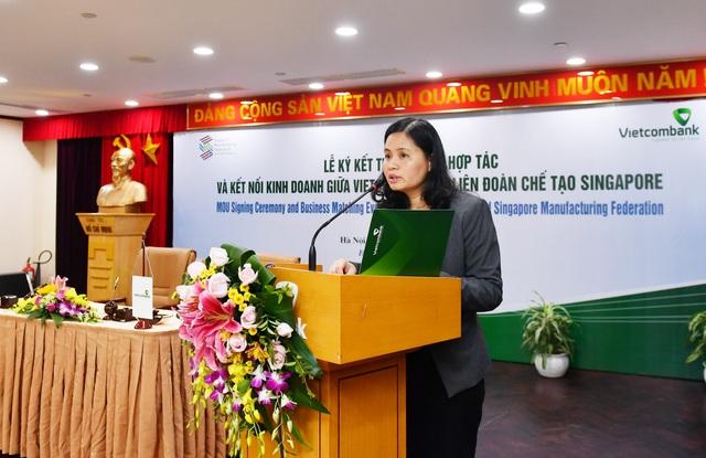 Bà Đinh Thị Thái - Phó Tổng giám đốc Vietcombank phát biểu tại Lễ ký kết