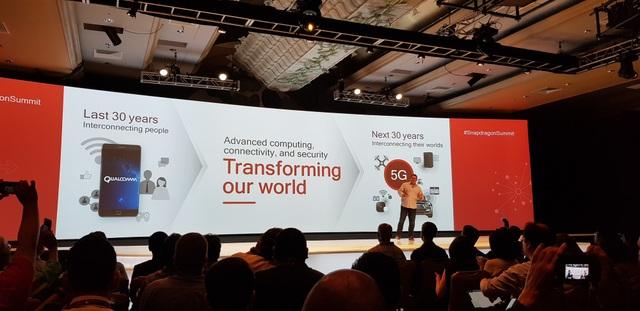 Ông Cristiano Amon, Phó Chủ tịch Qualcomm Technologies, nói về những gì Qualcomm đã làm được để kết nối con người trong suốt 30 năm qua, và sẽ tiếp tục chuyển đổi thế giới trong 30 năm tới.