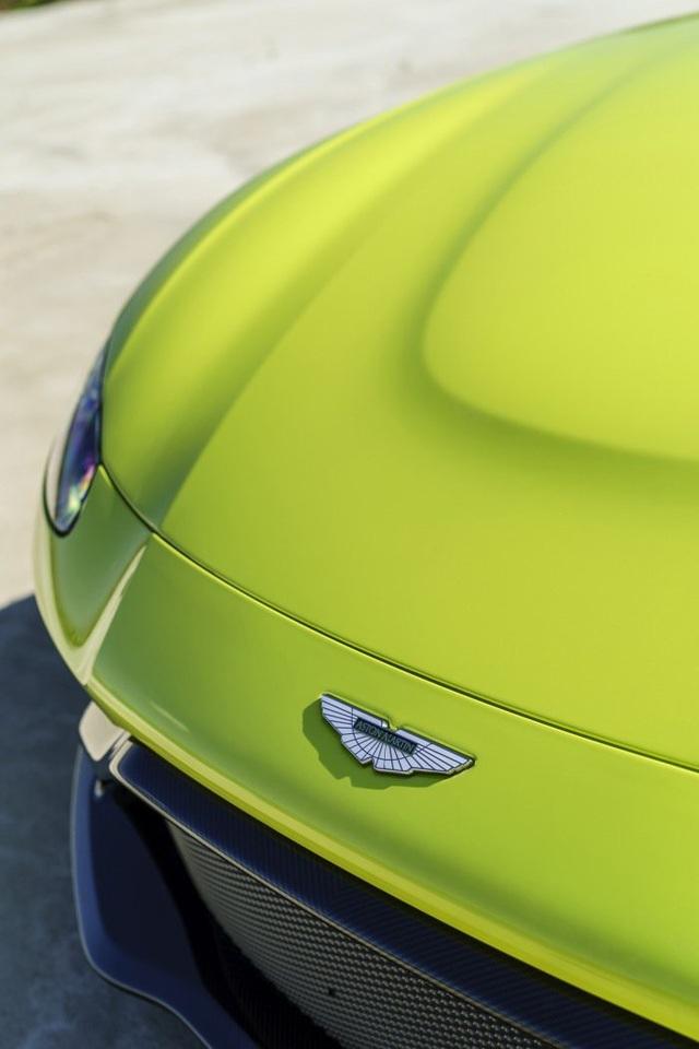 Aston Martin Vantage trở lại với động cơ AMG - 3