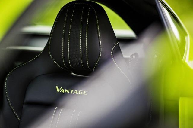 Aston Martin Vantage trở lại với động cơ AMG - 11