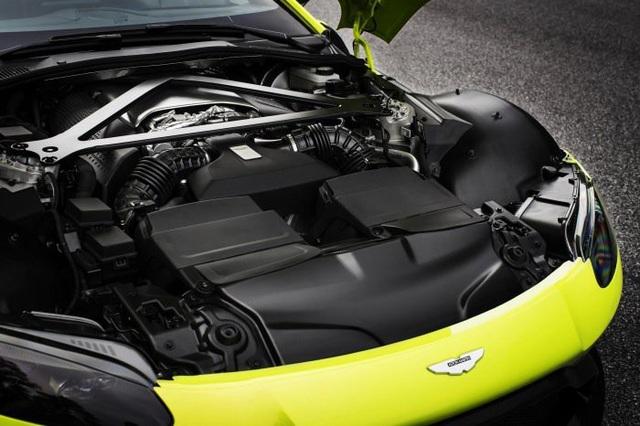 Aston Martin Vantage trở lại với động cơ AMG - 10