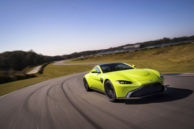 Aston Martin Vantage trở lại với động cơ AMG - 5