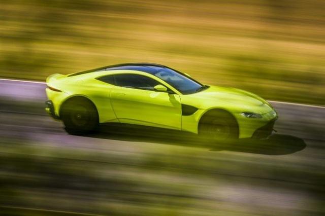 Aston Martin Vantage trở lại với động cơ AMG - 15
