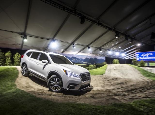 SUV lớn nhất của Subaru chính thức ra mắt - 16