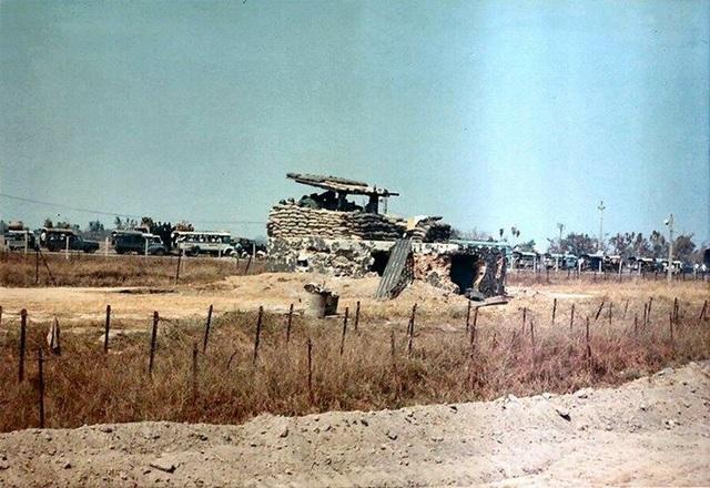 Lô cốt đầu cầu án ngữ cổng vào sân bay bị tiểu đoàn 16 phá hủy. (Ảnh tư liệu)