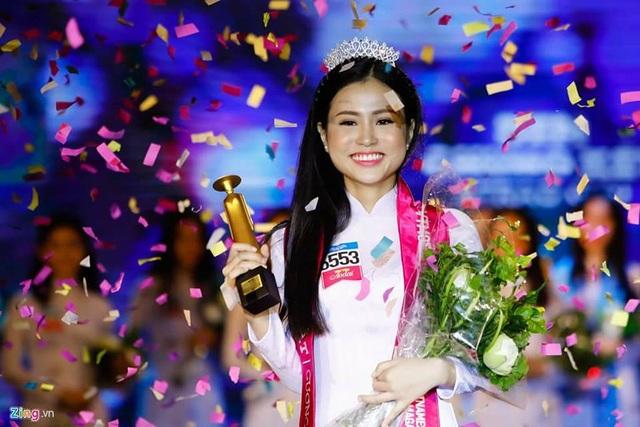 Nguyễn Đặng Thanh Hằng, nữ sinh 16 tuổi đăng quang cuộc thi Tìm kiếm gương mặt nữ sinh áo dài 2017