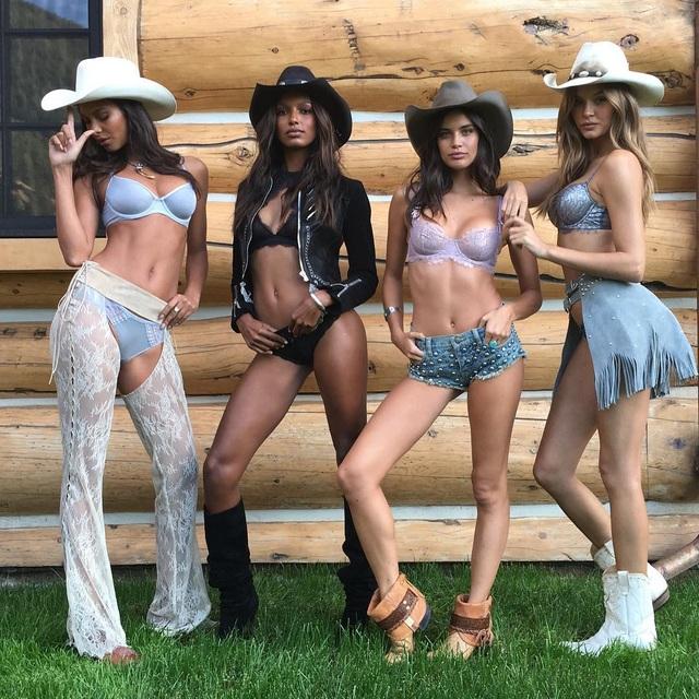 Nhiều gương mặt tươi trẻ của Victorias Secret đã thổi hồn cho bộ sưu tập mới.