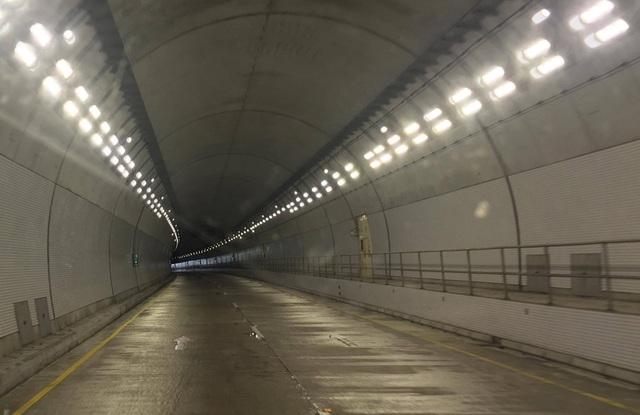 Chính thức thông xe hầm đường bộ hiện đại nhất Việt Nam - 4