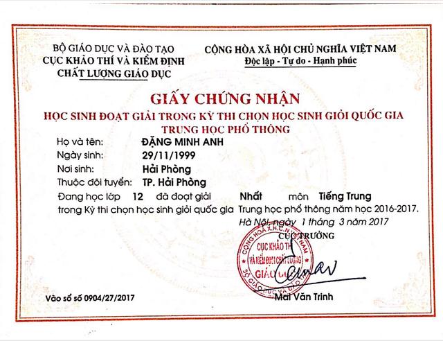 Phần thưởng lớn cho nỗ lực học tập của Đặng Minh Anh.