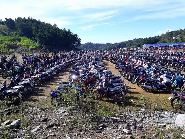 Cảnh đông đúc, quá tải tại Mộc Châu (Sơn La) trong dịp nghỉ lễ 2/9. Ảnh: Facebook