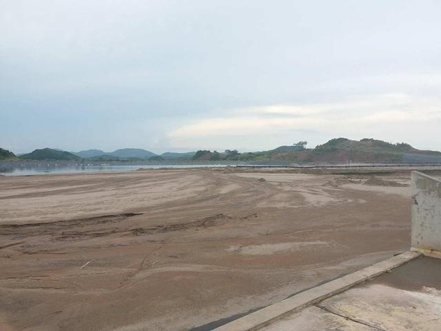 Theo TP. Cẩm Phả, chỉ khoảng 8 tháng nữa bãi tro xỉ của Công ty Nhiệt điện Mông Dương này sẽ đầy