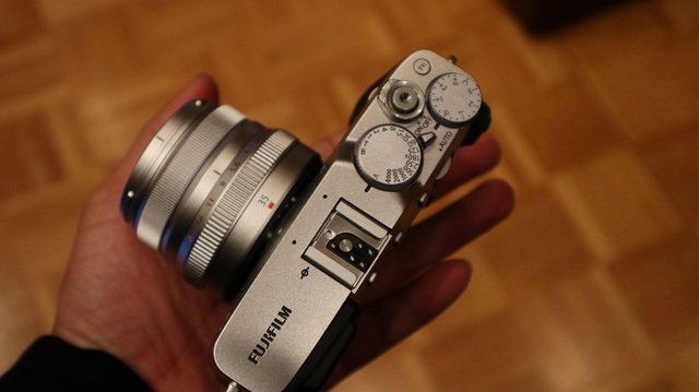 Về khả năng chụp ảnh, X-E3 cho khả năng chụp liên tục tốc độ cao, thời gian khởi động là 0,4 giây, khoảng chụp 0,25 giây, thời gian trập là 0,05 giây và tốc độ lấy nét tự động nhanh nhất 0,06 giây. Đối với khả năng quay video, X-E3 cho cho phép quay video 4K ở 30 khung hình/giây.
