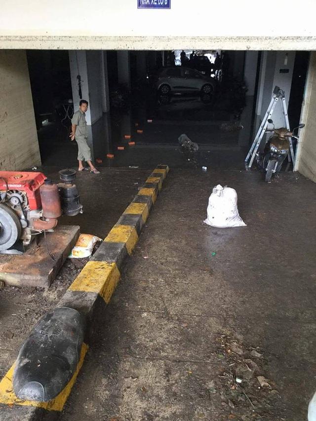 """Tầng hầm giữ xe biến thành """"biển nước"""" - 3"""