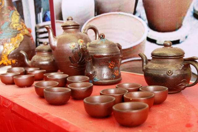 Sản phẩm gốm Gia Thủy sau khi ra lò có độ bóng, đẹp, chất gốm bền. Hiện gốm Gia Thủy đã có mắt ở nhiều nơi trong cả nước và được nhiều người ưa chuộng.