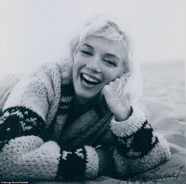 Hơn 150 bức ảnh được chụp trong những ngày tháng cuối đời của Marilyn Monroe từng nằm trong tay một nhà sưu tập tư nhân, giờ được đem rao bán đấu giá.