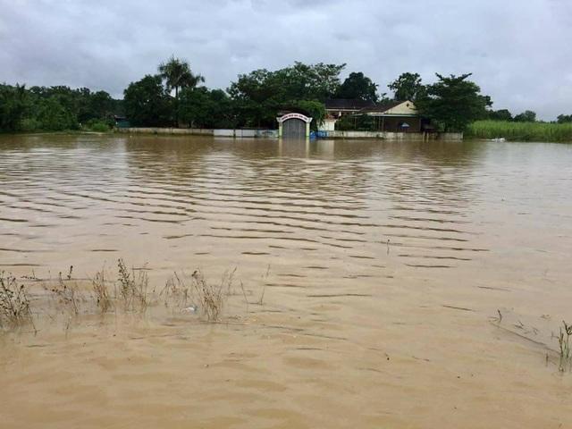 Mấy ngày trước trường mầm non Bình Sơn bắt đầu ngập.