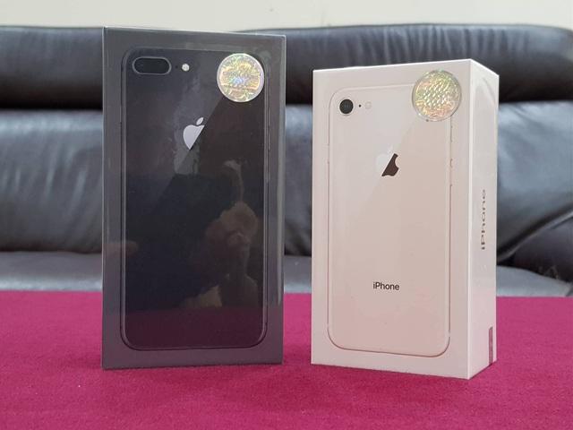 Bộ đôi iPhone 8 và 8 Plus chính hãng về Việt Nam