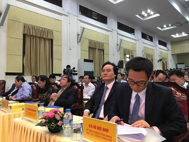 Phó Thủ tướng Vũ Đức Đam tham dự hội thảo
