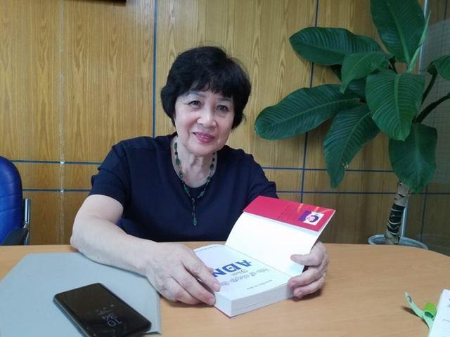 Bà Nguyễn Thị Nga cho biết trung tâm bà cũng từng nhận xét nghiệm cho khoảng 10 trường hợp tự nhận là bị nhầm con ở bệnh viện. Ảnh: N.N