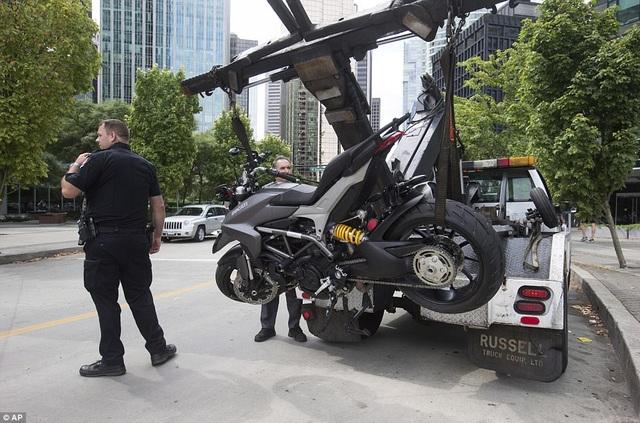 Hoạt động điều tra vụ tai nạn đang được cảnh sát tích cực tiến hành.