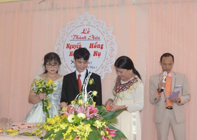 Xúc động hình ảnh về đám cưới của cặp uyên ương khiếm thị - 11