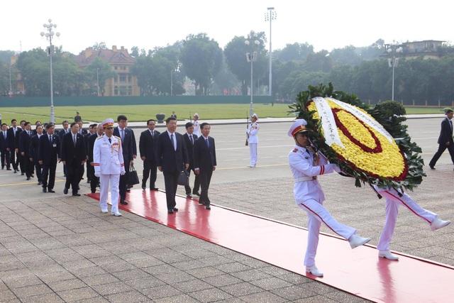 Chủ tịch Trung Quốc Tập Cận Bình vào Lăng viếng Chủ tịch Hồ Chí Minh - 1