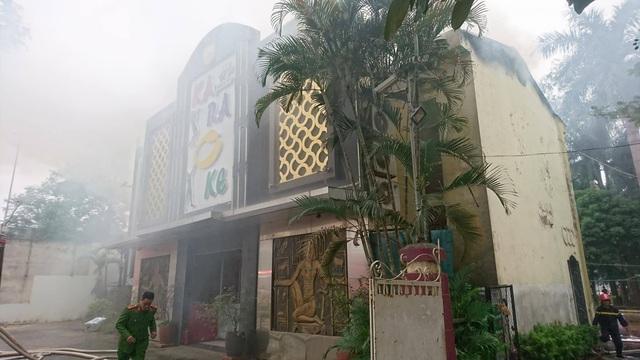 Cháy lớn tại quán karaoke gần khu đô thị Linh Đàm - 7