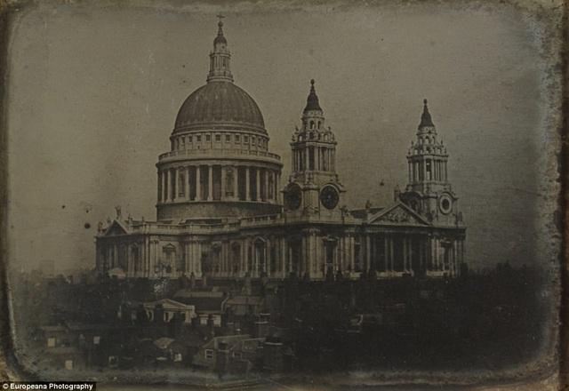 Ảnh chụp Nhà thờ chính tòa Thánh Paul ở London, Anh.