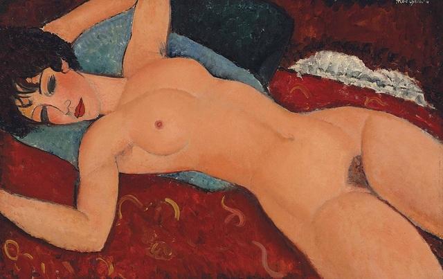 """Bức """"Khỏa thân nằm tựa trên vải đỏ"""" (1917) hiện là bức tranh đắt thứ 3 trong lịch sử hội họa. Tác phẩm từng được mua hồi năm 2015 tại một cuộc đấu giá ở mức 170,4 triệu USD (tương đương 3.872 tỷ đồng)."""