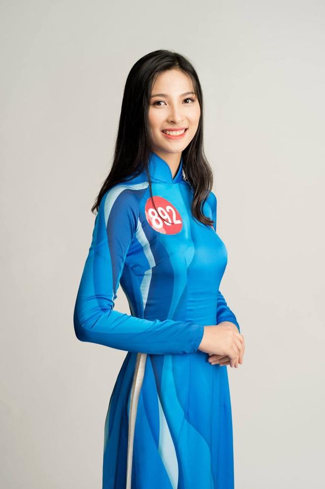 Lê Thị Hằng (ĐH Đông Á, SBD 892)