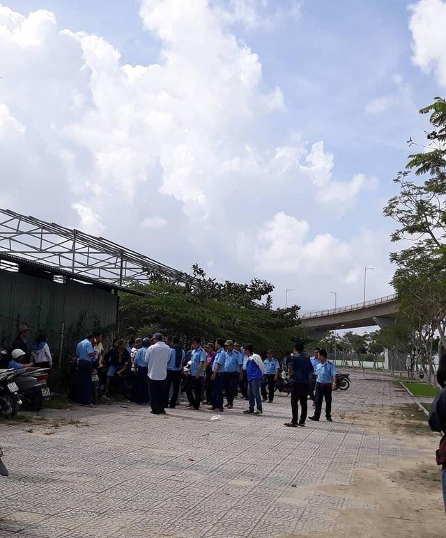 Hơn 200 tài xế, nhân viên xe buýt Quảng An 1 đã ngưng việc để phán ứng việc công ty trả lương chậm