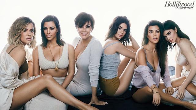 Bà Kris Jenner và 5 cô con gái xinh đẹp