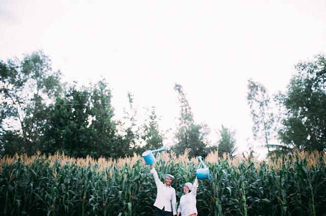 Câu chuyện xúc động sau bộ ảnh vợ chồng nông dân 25 năm hạnh phúc - 13