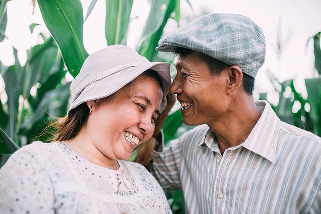 Câu chuyện xúc động sau bộ ảnh vợ chồng nông dân 25 năm hạnh phúc - 2