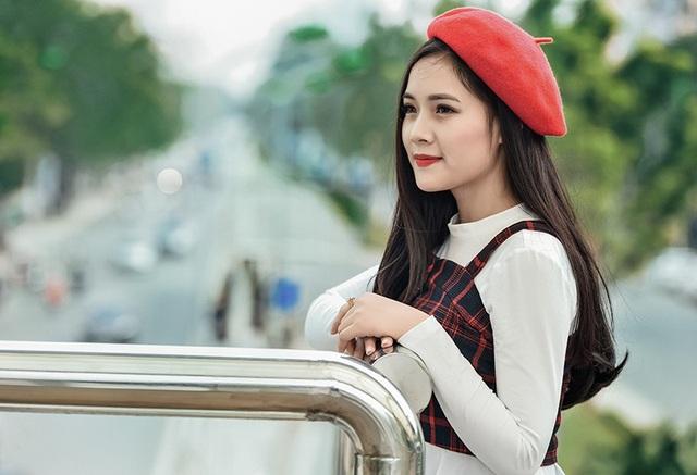 Thu nhập từ kinh doanh giúp Trang có thể trang trải chi phí sinh hoạt.