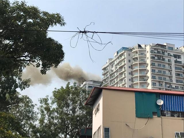 Hà Nội: Cháy lớn tại chung cư trên đường Hoàng Hoa Thám - 7