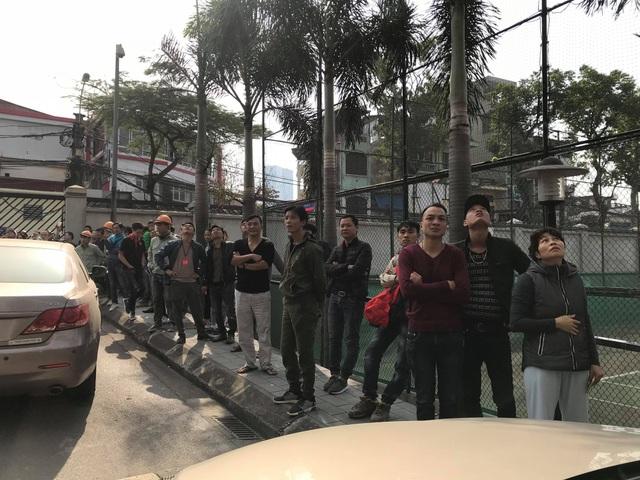 Hà Nội: Cháy lớn tại chung cư trên đường Hoàng Hoa Thám - 11