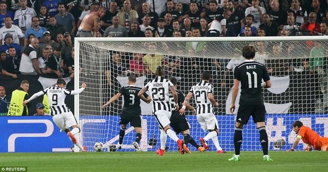 Real-Juve được ví von là cuộc so tài giữa công khủng với thủ thép