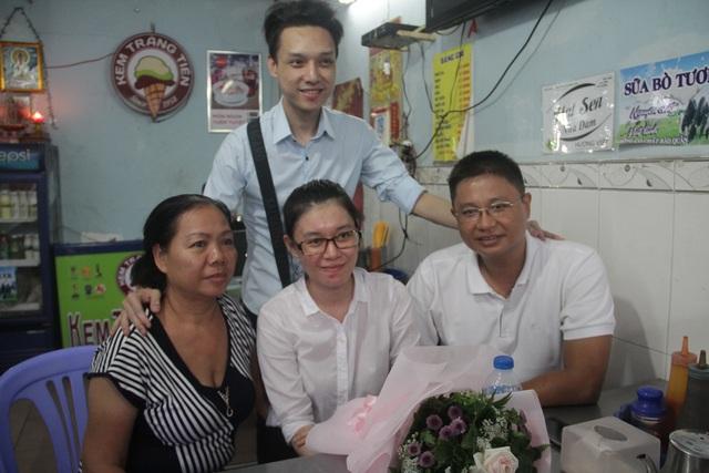 Thùy Dung cùng gia đình