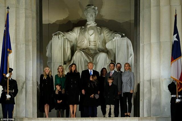 Đại gia đình của ông Trump cùng xuất hiện trên sân khấu chính.